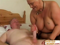 tattooed old pair do nasy things in bed
