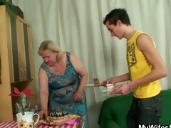 wife comes in when her giant mamma rides my dong