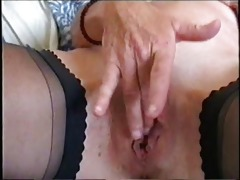 watch my hawt mum fingering her pussy. stolen