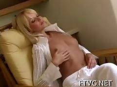 girl masturbates outdoor