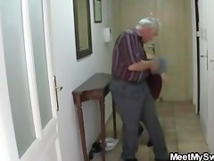 man caught his girlfriend with his aged mom and
