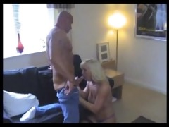 sexy muscle dad acquires bj from a fortunate blond